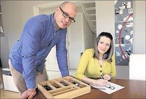 Mélanie et Sylvain concepteurs et créateurs de lunettes en bois